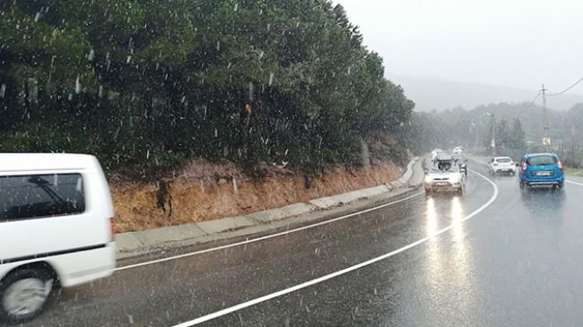 İstanbul Anadolu Yakası'nda kar yağışı etkili oluyor