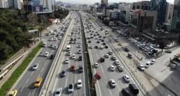 İstanbul'da hafta sonu kısıtlaması öncesi trafik erken saatlerde başladı