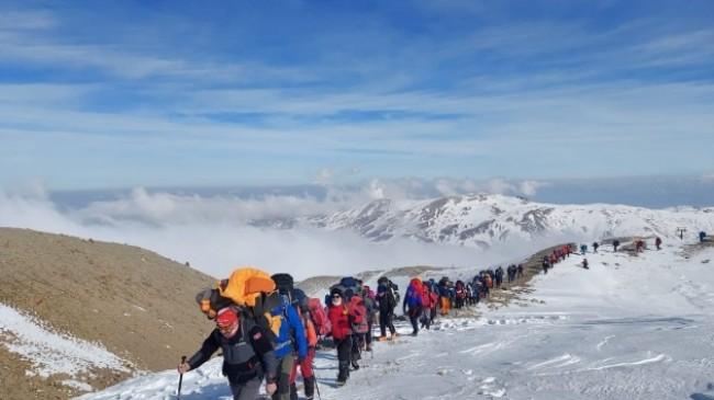 139 dağcının katıldığı Erciyes Kış Zirve Tırmanışı tamamlandı