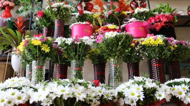 14 Şubat'ta çiçekçiler satışlardan umutlu, seradan gelen fiyatlardan şikayetçi