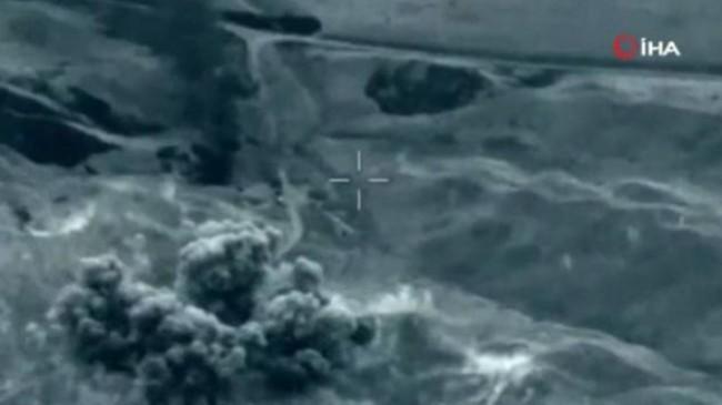 Azerbaycan, Dağlık Karabağ'da Ermeni askeri hedeflerin yok edildiği anları yayınladı