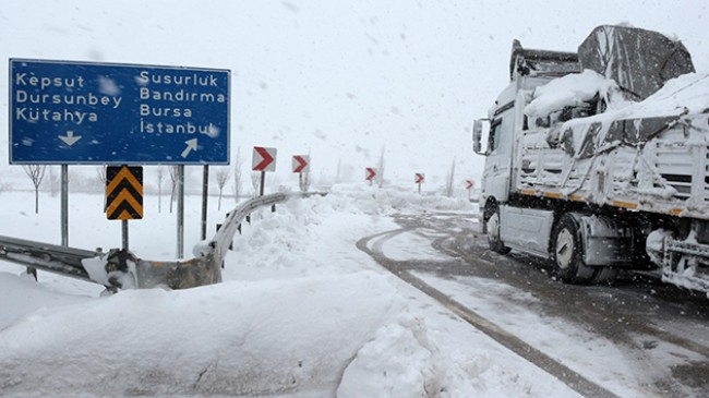 Balıkesir Bursa kara yolu ulaşıma açıldı
