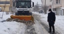 Başkan Yüksel kar temizliği çalışmalarını bizzat denetledi