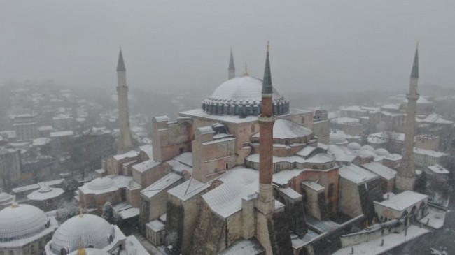 Beyaz gelinliğini giyen tarihi yarımada havadan görüntülendi