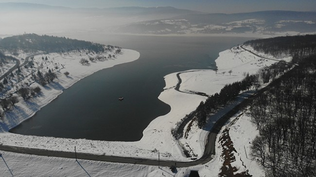 Bolu'da kar yağışı barajlardaki su seviyesini yükseltti
