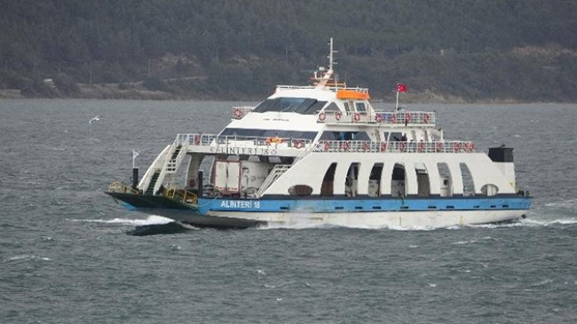 Çanakkale Boğazı'nda feribot seferleri yeniden başladı