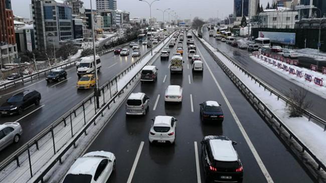 İstanbul'da sabah saatlerinde trafik yoğunluğu
