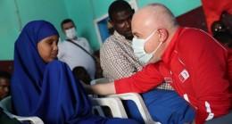 Kızılay her gün 3 bin Somalili yetimi doyuruyor