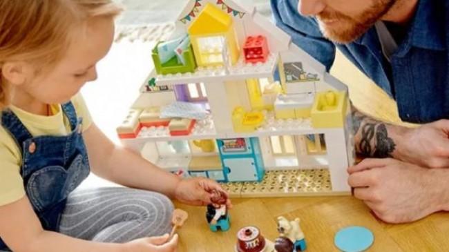 Lego oyuncaklar çocukların hayal gücünü geliştiriyor