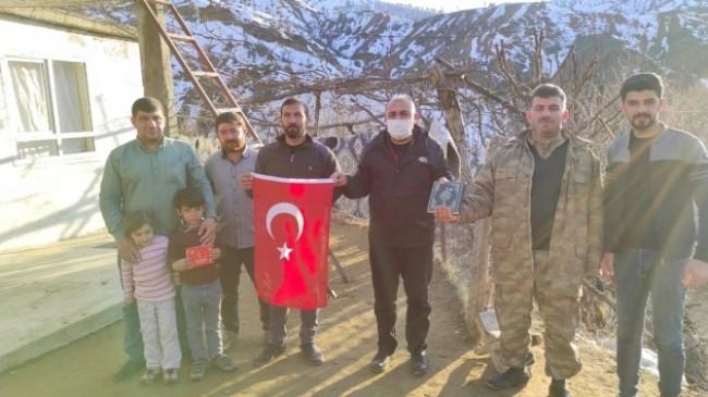 """Şehit ailelerinden, çocukları terör örgütü PKK'ya katılan ailelere çağrı: """"Evlatlarınızı HDP ve PKK'dan isteyin"""""""