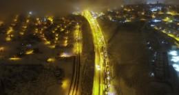 Yoğun kar yağışının kapattığı TEM Otoyolu trafiğe açıldı