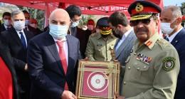 Pakistan Genelkurmay Başkanı Raza'dan Altınok'a Pakistan daveti