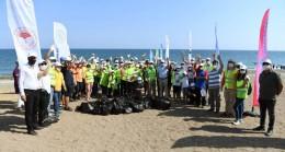 Büyükşehir'den Carettalar İçin Sahil Temizliği: Yavru Carettalar Çöplere Takılmadan Denize Ulaşabilsin Diye