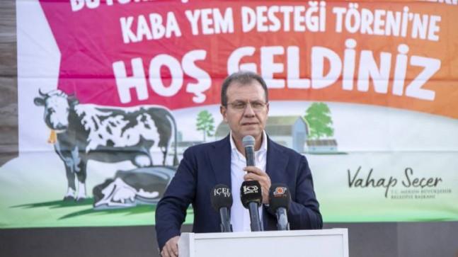 Mersin Büyükşehir'den Büyükbaş Hayvan Yetiştiricilerine Kaba Yem Desteği