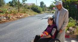 Mersin Büyükşehir, Özel Gereksinimli Ayşe Kırdağ'ın Asfalt Talebini Hızla Yerine Getirdi